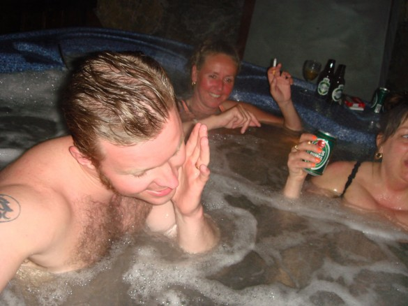 Johan tar tydligen ett varmt skönt bad med..ja?
